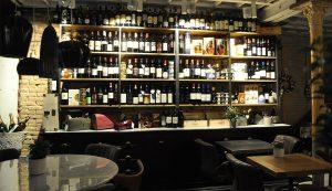 locale tipico con degustazione piatti cucina veneziana
